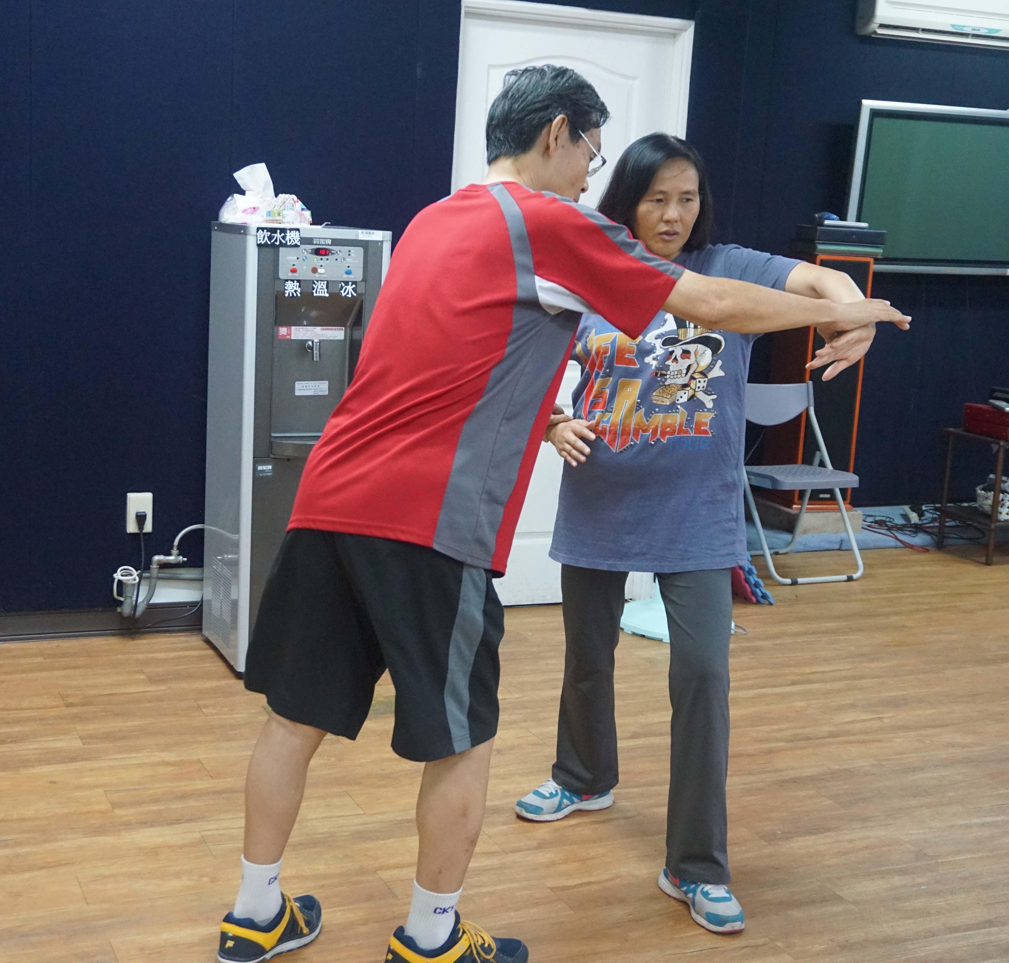 媛玲參加社區大學生活武術班