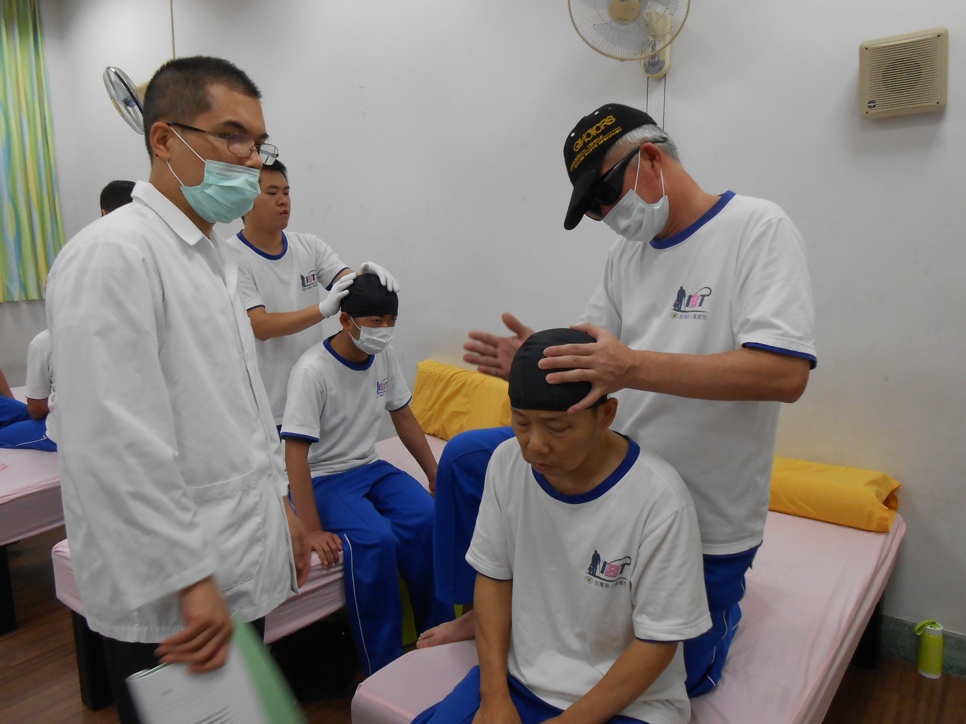 課堂練習頭部按摩